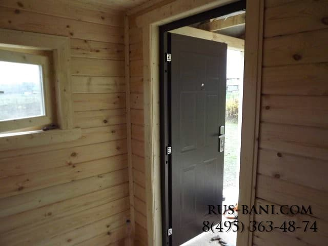 входная дверь в бане