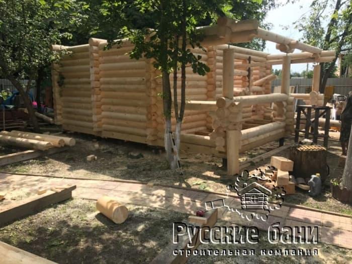 Фото строительства бани из бревна